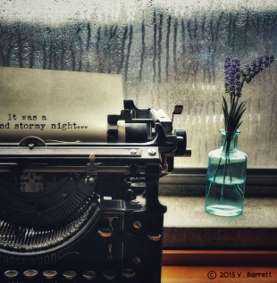 old-typewriter-rainy-window
