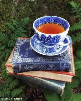 teacup-with-old-books